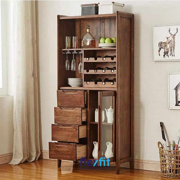 Với các ngăn chứa đa dạng, tiện dụng, tủ bếp đứng giúp bạn lưu trữ rượu, cốc, chén, bát rất khoa học.