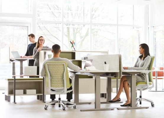 Một vài điều chỉnh thích hợp có thể giúp bạn hóa giải vị trí bàn làm việc không thuận phong thủy
