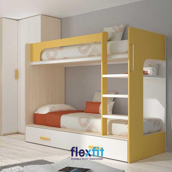 Đầu giường và phía đuôi giường được thiết kế các thanh chắn thông thoáng cùng kệ treo sách vô cùng tiện lợi mang lại cảm giác tiện nghi, hiện đại.