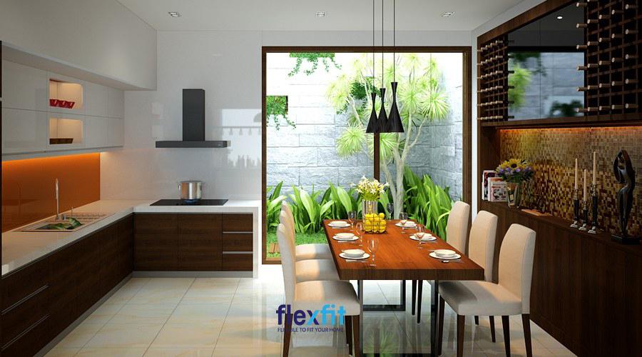 Phòng bếp nhà ống với đặc điểm thiếu sáng đã được khắc phục hiệu quả nhờ thiết kế với giếng trời khéo léo như thế này