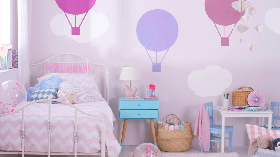 Tông màu hồng, tím là gam màu yêu thích của các bé gái