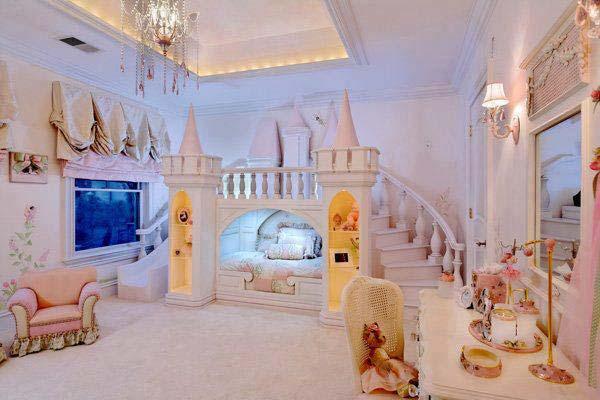 Thiết kế giường ngủ như một lâu đài nhỏ