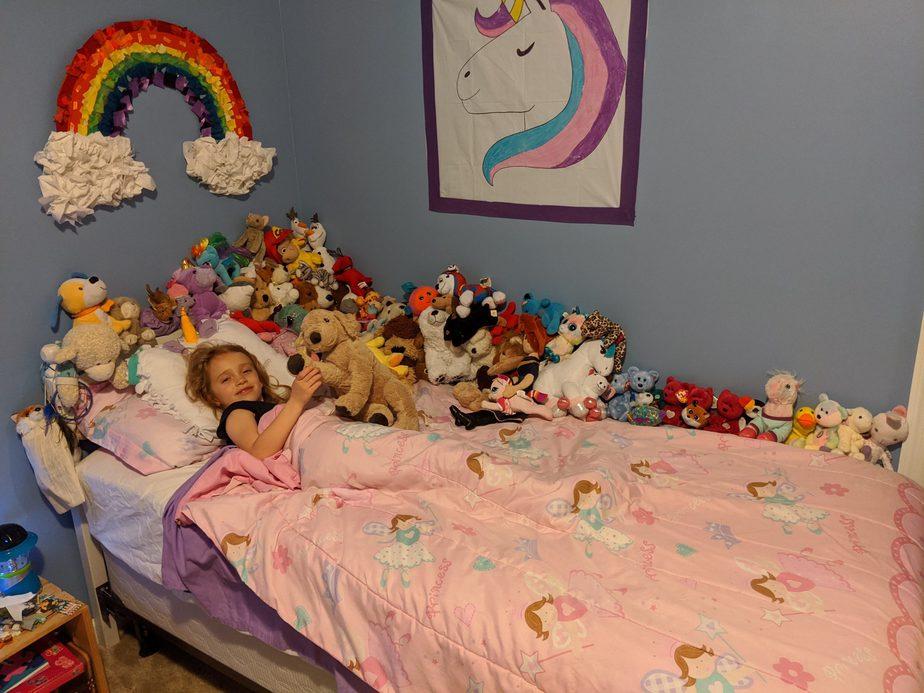 Hoặc một giường gấu bông như thế này cũng đã đủ đẹp với bé rồi