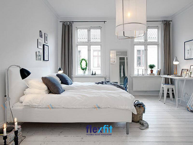Mẫu thiết kế phòng ngủ cho bé trai tông màu trắng với không gian sang sủa và rộng rãi