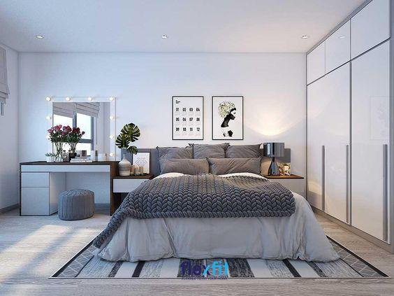 Căn phòng không quá rộng nhưng vẫn mang lại vẻ đẹp hiện đại, tiện nghi nhờ sự khéo léo sắp xếp và lựa chọn màu sắc của các đồ nội thất trong phòng