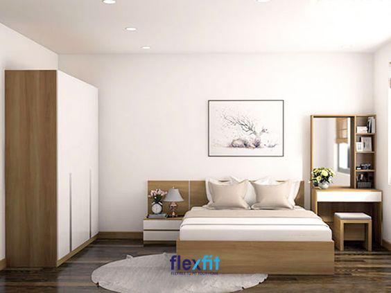 Căn phòng ngủ này có diện tích không quá lớn nhưng vẫn được gia chủ khéo léo sắp xếp đồ nội thất một cách đầy đủ và tiện nghi nhất