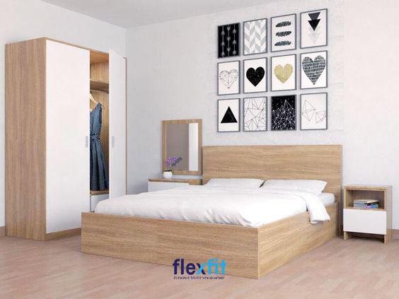Những bức tranh trang trí tuy có họa tiết đơn giản nhưng vẫn làm nổi bật cả không gian căn phòng
