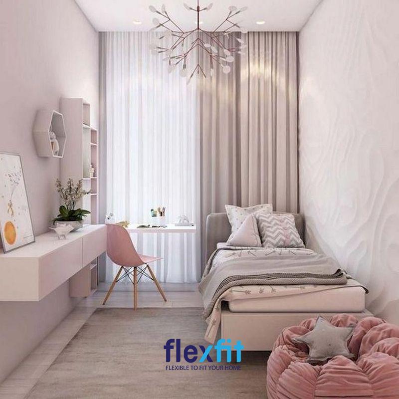Gam màu hồng nhạt giúp căn phòng trông rộng rãi hơn