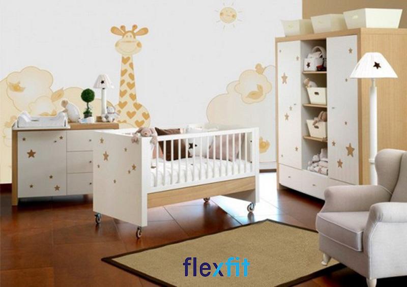 Mẫu thiết kế phòng ngủ cho bé trai sơ sinh với tông màu vàng chủ đạo
