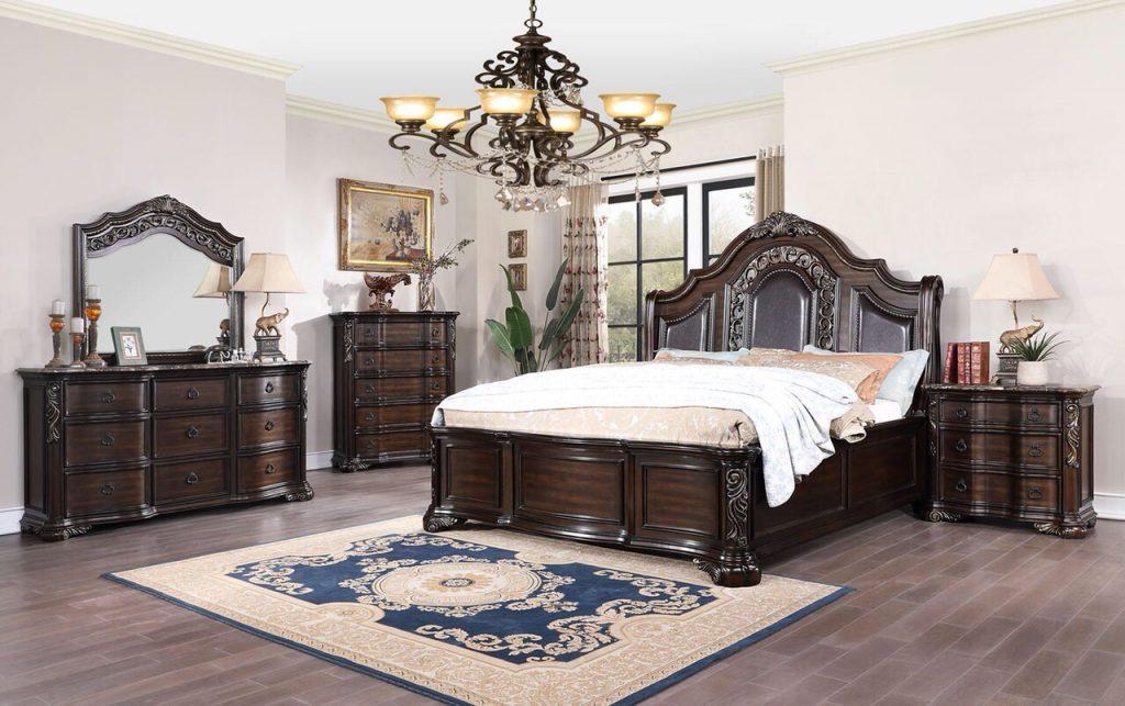 Nếu bạn yêu thích phong cách cổ điển sang trọng và những vẻ đẹp xưa cũ nhưng không muốn quá cầu kỳ, hãy chọn những món đồ nội thất này cho căn phòng ngủ của mình