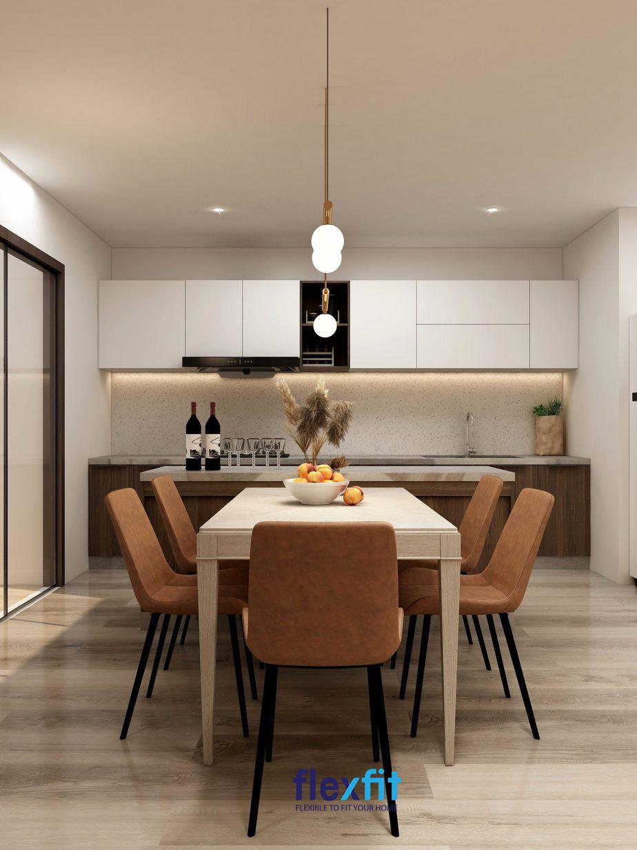 Phòng bếp gia đình hiện đại với nội thất bàn ghế nâu tương sinh với mệnh Thổ.